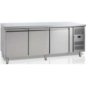 Стол холодильный, EN, L2.02м, без борта, 3 двери глухие, ножки, +2/+10С, нерж.сталь, дин.охл., агрегат справа, R600a