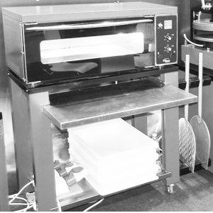 Подставка для печи для пиццы подовой ППЭ, 1190х500х900мм, открытая, 1 полка сплошная, нерж.сталь, передвижная, выдвижная полка, крепёж для лопат