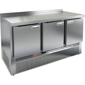 Стол холодильный, GN1/1, L1.49м, борт H50мм, 3 двери глухие, ножки, -2/+10С, нерж.сталь, дин.охл., агрегат нижний, задняя стенка нерж.сталь