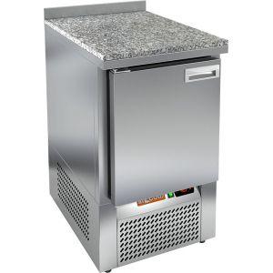 Стол холодильный, GN2/3, L0.57м, борт H50мм, 1 дверь глухая, ножки, -2/+10С, нерж.сталь, дин.охл., агрегат нижний, гранит.пов.