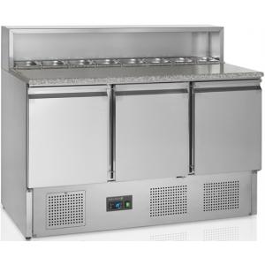 Стол холодильный для пиццы, GN1/1, L1.37м, без борта, 3 двери глухие, ножки, +2/+10С, нерж.сталь, стат.охл.+вент., агрегат нижний, короб 8GN1/6, гран.