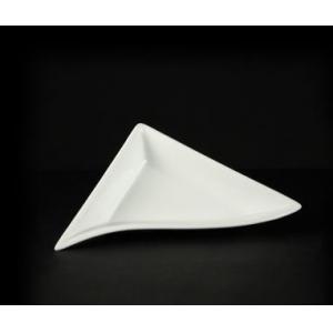 Тарелка L 18см треугольная CaBaRe