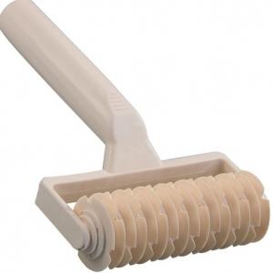 Резак для теста роликовый L 11.5см, пластик