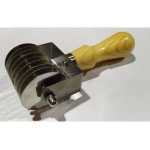 Резак для теста w 6,5cм, шаг ножей 7мм, нерж.сталь.с  дерев. ручкой