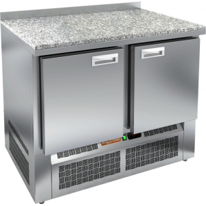 Стол холодильный, GN2/3, L1.00м, борт H50мм, 2 двери глухие, ножки, -2/+10С, нерж.сталь, дин.охл., агрегат нижний, гранит.пов.