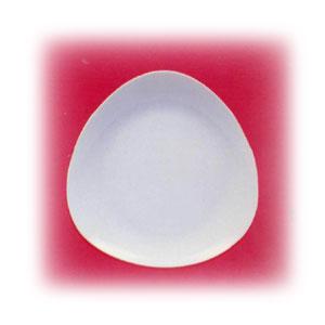 Тарелка мелкая L 21см треугольная PERA