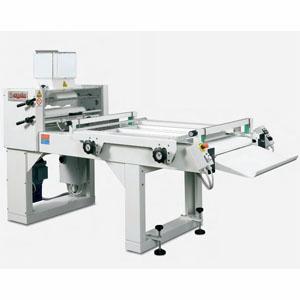 Тестозакатка электрическая напольная, длина роликов 600мм, управление автоматическое, вес заготовки 50-2000г, сталь окраш.