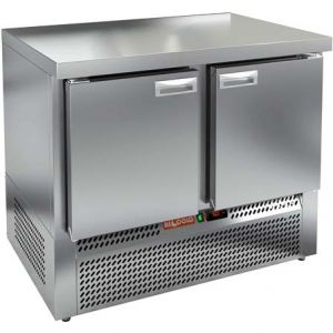Стол холодильный, GN1/1, L1.00м, без борта, 2 двери глухие, ножки, -2/+10С, нерж.сталь, дин.охл., агрегат нижний
