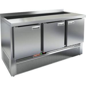 Стол холодильный саладетта, GN1/1, L1.49м, борт H50мм, 3 двери глухие, ножки, +2/+10С, нерж.сталь, дин.охл., агрегат нижний, гнездо GN1/6, без крышки