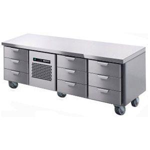 Стол холодильный низкий, GN1/1, L1.66м, без борта, 9 выд.секц., ролики, +2/+15С, нерж.сталь, дин.охл., агрегат центр.